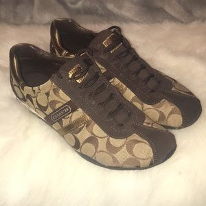 COACH TENNIS SHOES -BEAUTIFUL NEW CONDITION